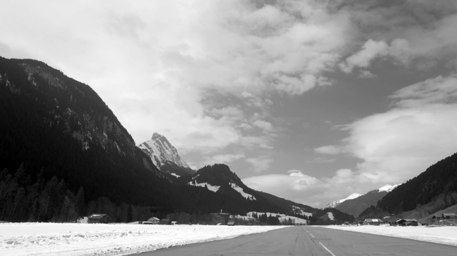 Sean Snyder Cloud Sediment (Gstaad), 2016  Video still, 16:9 format HD video, 7 minutes 47 seconds, b/w and color, audio