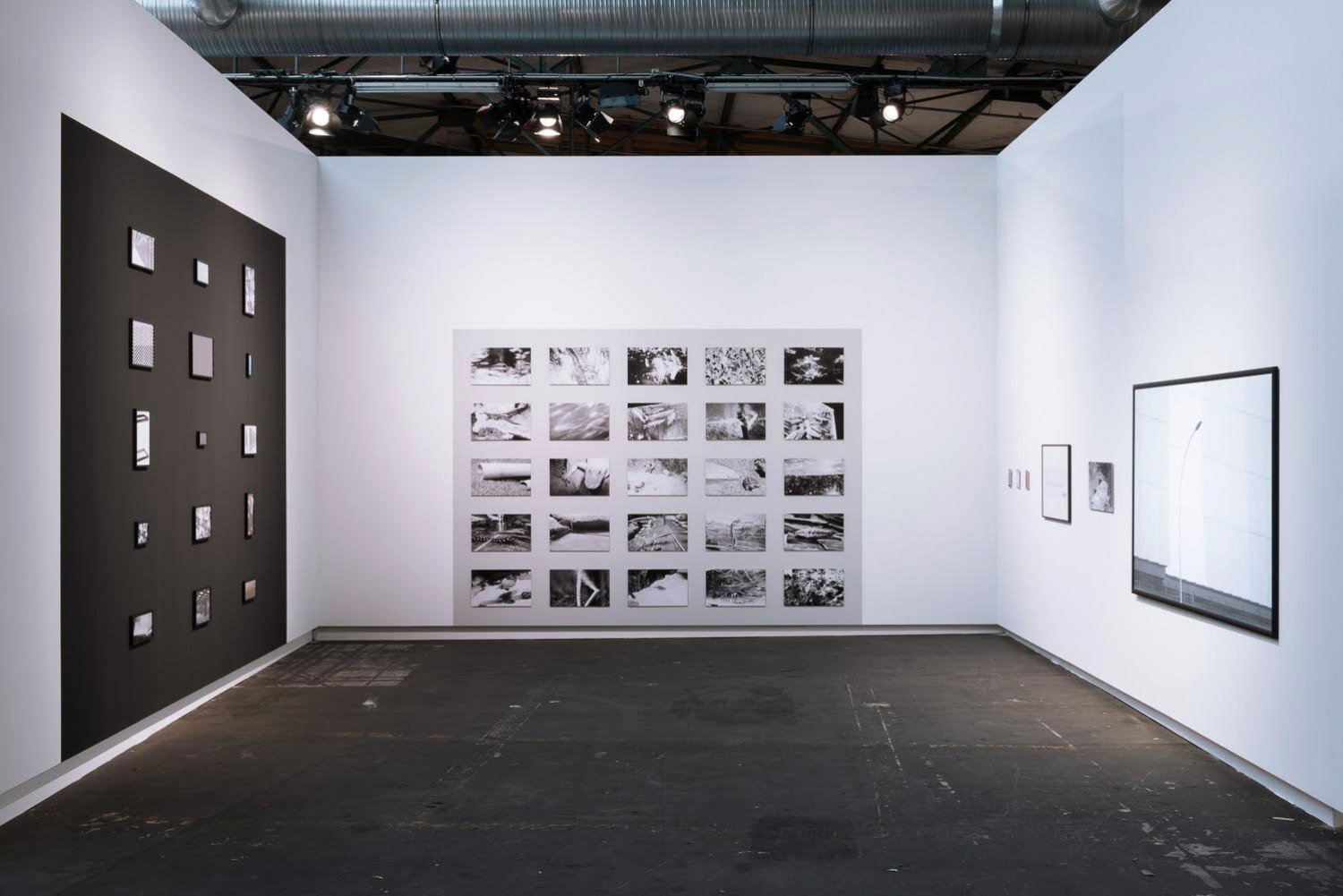 Sean Snyder 1.618033987, 5, 25, 99, 747 Installation view at abc (art berlin contemporary)