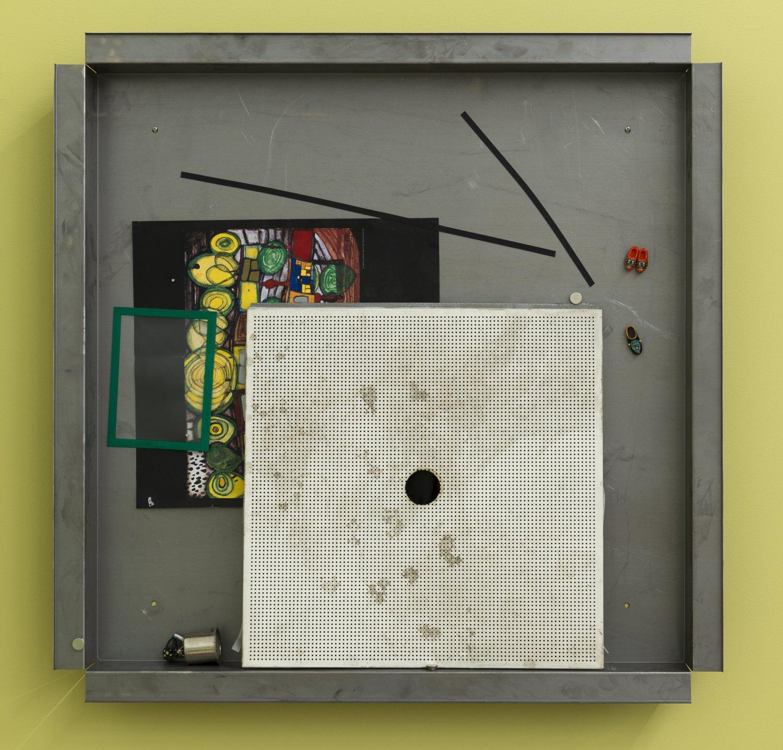 Manfred Pernice, Teile + peile Cassette L1, 2015 110 x 110 x 11 cm