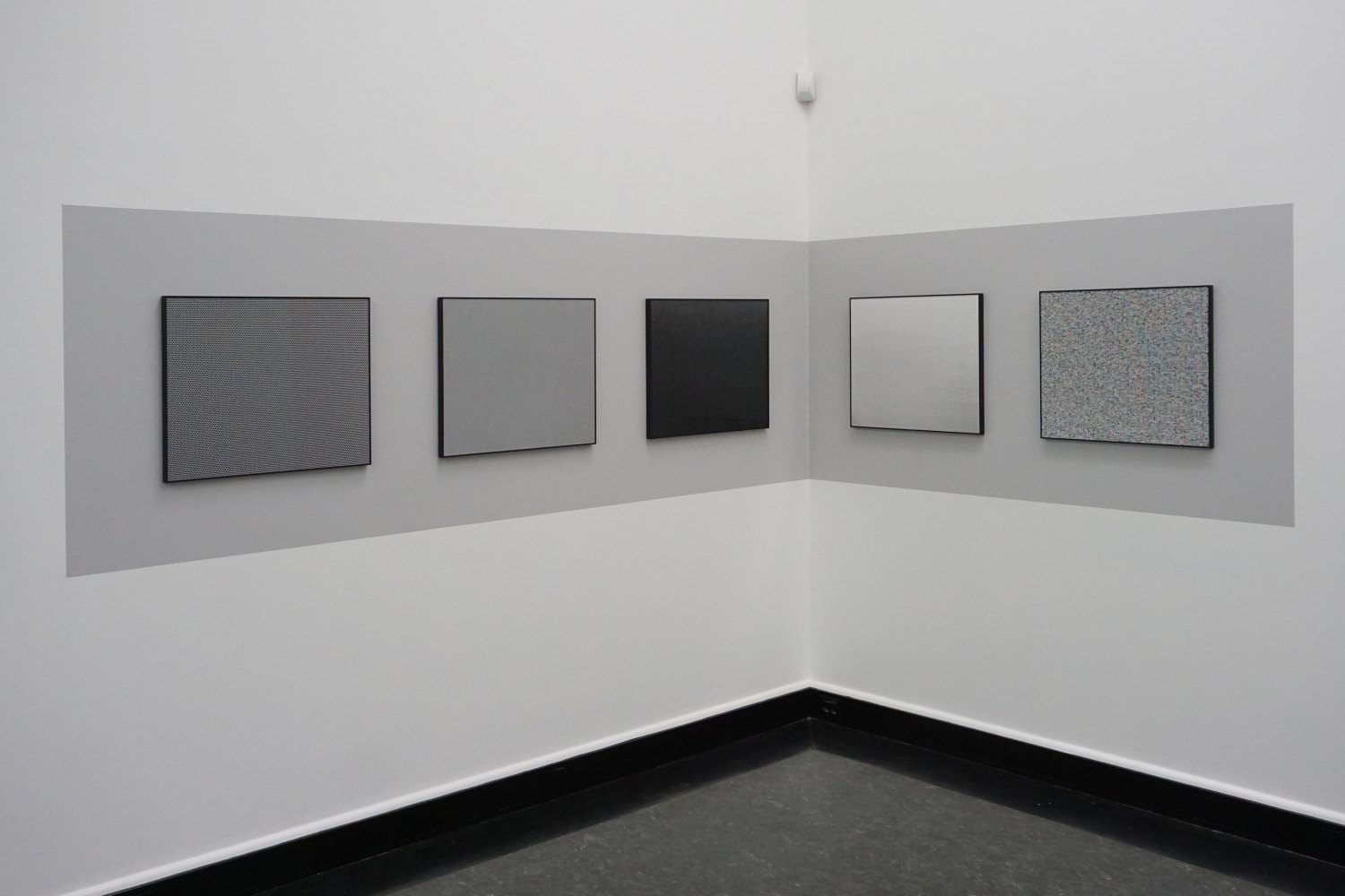 Sean Snyder CCD Digital Image Sensor (5 Layers), 2018 5 b/w archival pigment prints on matte paper, black aluminum frames, 52 x 64 cm, installed on wall painted RAL 7047, 100 x 476 cm