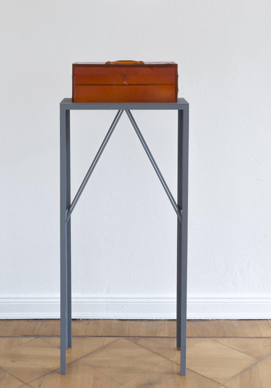 Alex Hubbard Studio 5, 2014 Urethane and steel, box: 20.4 × 48.5 × 17.6 cm, plinth:127 × 58.3 × 25.6 cm