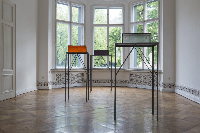 Alex Hubbard, installation view, Galerie Neu, Berlin 2014