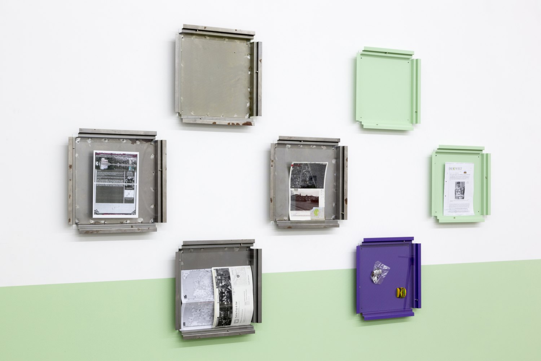 Manfred Pernice, Teile + peile Installation view, Galerie Neu, Berlin 2015