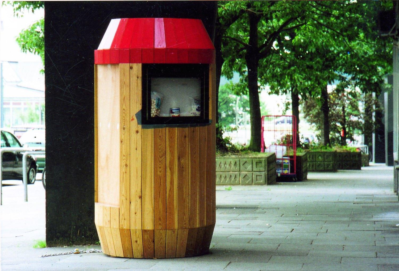 Manfred Pernice   Thaidose, 2000/1    Wood, 170 × Ø 90 cm